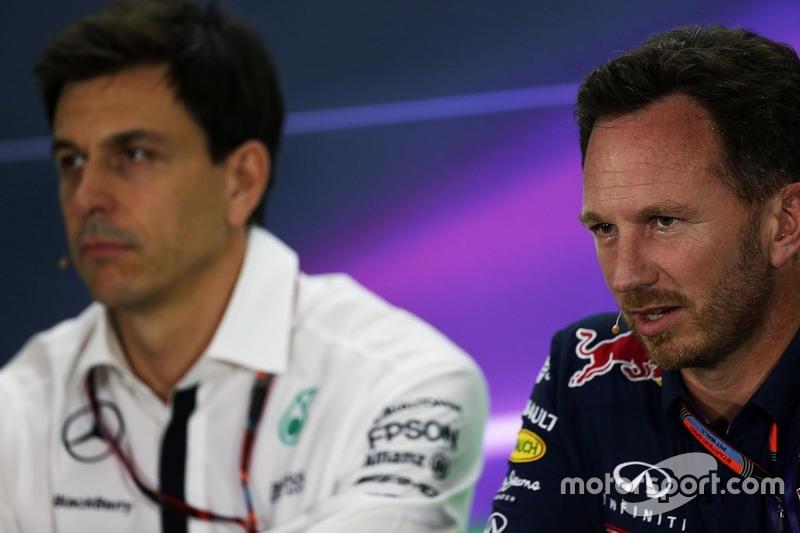 Christian Horner, Red Bull Racing, und Toto Wolff, Mercedes-Sportchef, in der FIA-Pressekonferenz