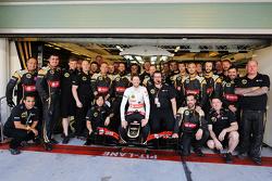 Romain Grosjean, Lotus F1 E23 op teamfoto