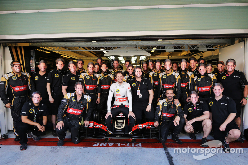 Romain Grosjean, Lotus F1 E23, beim Teamfoto