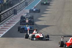 Marvin Kirchhofer, ART Grand Prix leads Pal Varhaug, Jenzer Motorsport