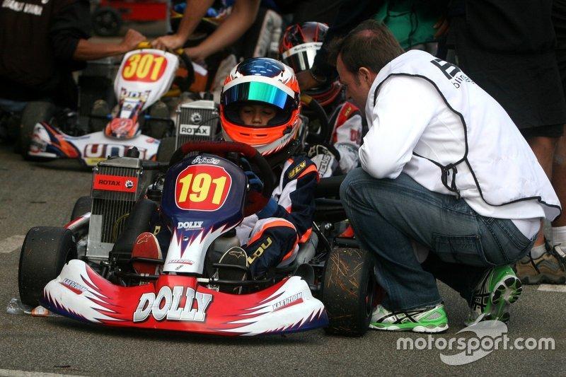 Dudu Barrichello recebe instruções do pai