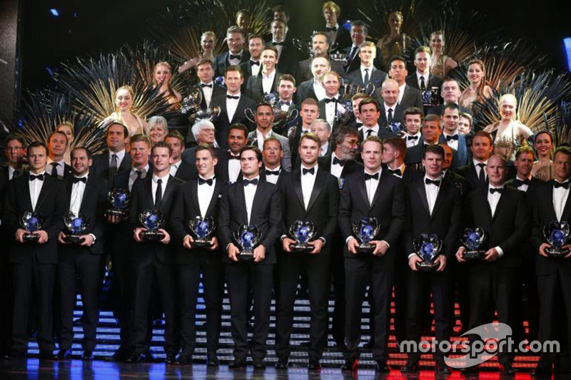 Drivers' group photo.