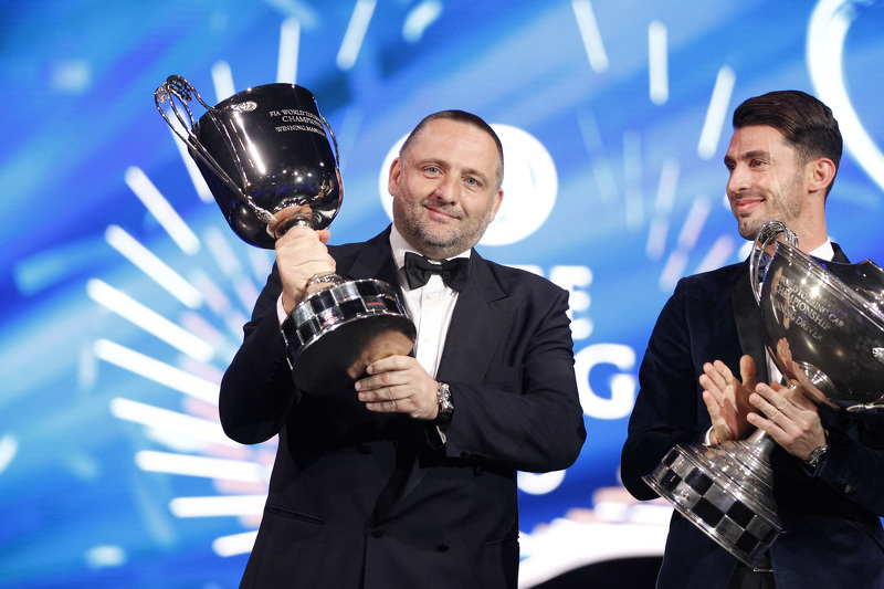 Yves Matton, Director de Citroën Sport, y Jose Maria Lopez, Citroën World Touring Car team