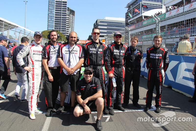 James Moffat, Nissan Motorsports, mit seinem Team
