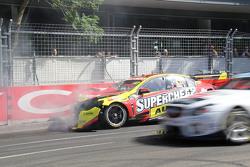 Tim Slade, Walkinshaw Racing Holden l'incidente