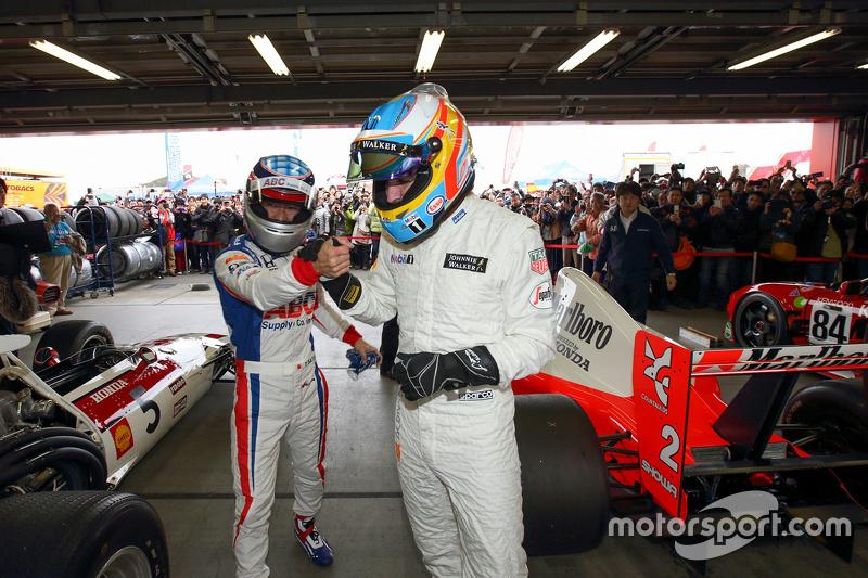 Fernando Alonso e Takuma Sato