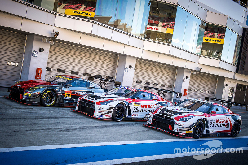 Nissan Gt R Race Cars Lined Up At Nismo Festival