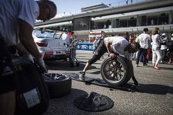 Citroën World Touring Car team механік за роботою