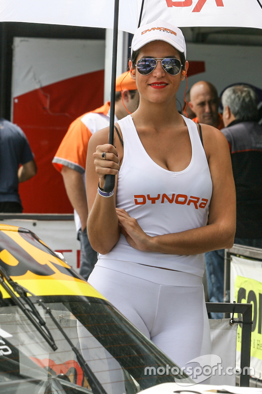 Paddock Girls Argentina Dynora at La Plata - Road touring