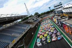 Os 130 carros que participaram das cinco categorias no fim de semana em Interlagos