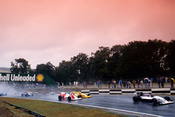 Damon Hill leads Allan McNish, Eddie Irvine and Phil Andrews