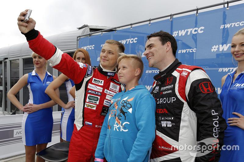 Norbert Michelisz, Honda Civic WTCC, Zengo Motorsport and Matej Homola, Chevrolet RML Cruze TC1, Campos Racing