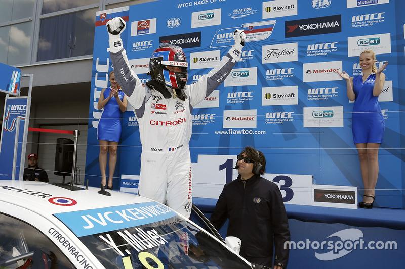 Race winner Yvan Muller, Citroën C-Elysee WTCC, Citroën World Touring Car team