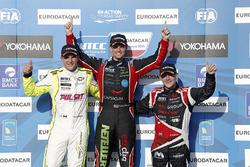 Podium: tom Chilton, Chevrolet RML Cruze TC1, ROAL Motorsport, Hugo Valente, Chevrolet RML Cruze TC1