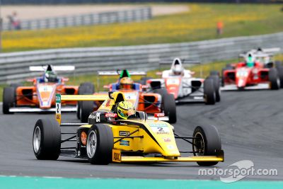 ADAC Formel 4: Oschersleben