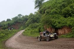 # 354 Tim Coronel Suzuki: Maxxis Dakkar Team powered by Super B