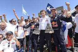 Победители автомобильного зачёта - Стефан Петерансель и Жан-Поль Котре, #302 Peugeot