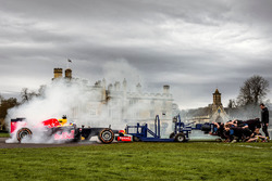 Даниэль Риккардо, Red Bull Racing против команды по регби