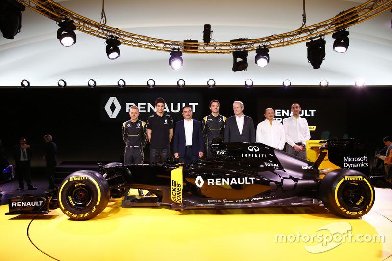 Carlos Ghosn, Jerome Stoll, Cyril Abiteboul, e Frederic Vasseur e os pilotos Jolyon Palmer, Kevin Magnussen e Esteban Ocon