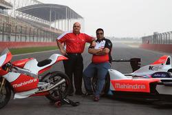 Mufaddal Choonia, Mahindra Racing SPA CEO y Dilbagh Gill, Director del equipo Mahindra Racing
