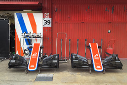 Manor Racing pit area