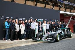 De Mercedes AMG F1 W07 Hybrid wordt onthuld