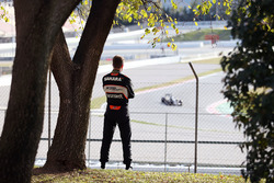 Нико Хюлькенберг, Sahara Force India F1 наблюдает за тестами