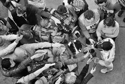 Льюис Хэмилтон, Mercedes AMG F1 со СМИ