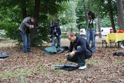 Sebastian Vettel, Scuderia Toro Rosso erecting a tent