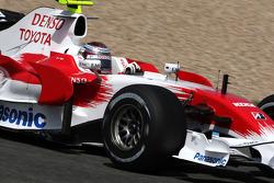 Jarno Trulli, Toyota Racing, on slick tyres