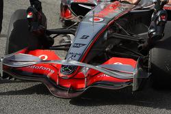 Pedro de la Rosa, Test Driver, McLaren Mercedes, MP4-23, detail, on slick tyres
