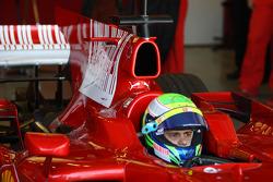 Felipe Massa, Scuderia Ferrari, F2008, try out the new shark fin engine cover