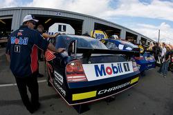 Mobil Dodge crew members at work