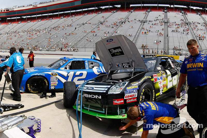 The Sharpie Crew make adjustments to their Ford Fusion