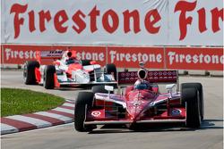 Scott Dixon leads Helio Castroneves