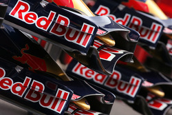 Scuderia Toro Rosso front wings detail