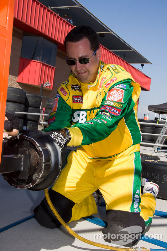Jared Fogle for Subway hangs out with the Tony Stewart Subway Home Depot Toyota crew