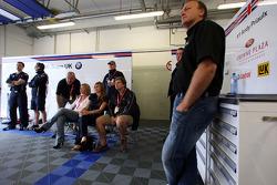 Garage of Andy Priaulx, BMW Team UK, BMW 320si WTCC