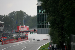 La salida: Sebastian Vettel, Scuderia Toro Rosso lidera