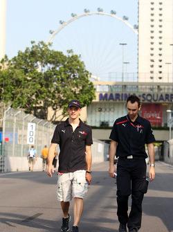 Sébastien Bourdais and race engineer Claudio Balestri during the track walk