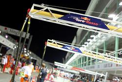 The Scuderia Toro Rosso gibbet