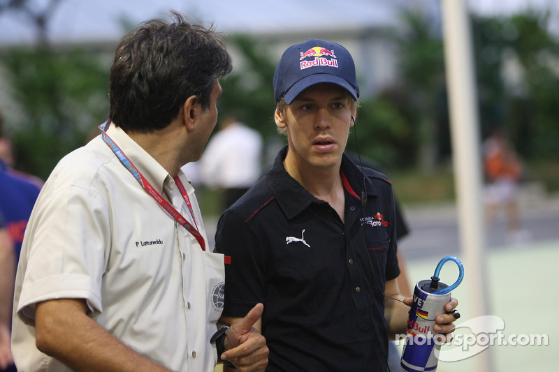 Pasquale Lattuneddu, FOM; Sebastian Vettel, Scuderia Toro Rosso