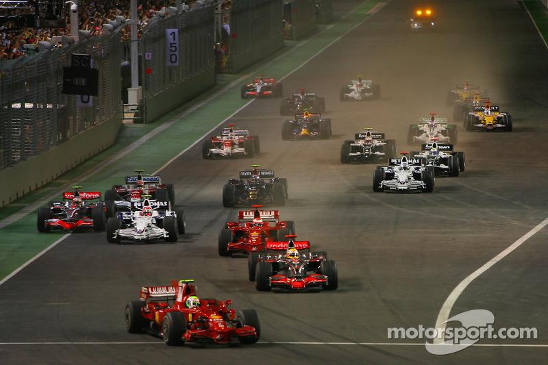 Start: Polesitter Felipe Massa führt und ...