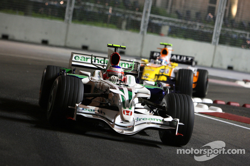 Rubens Barrichello, Honda Racing F1 Team, RA108; Nelson Piquet Jr., Renault F1 Team, R28