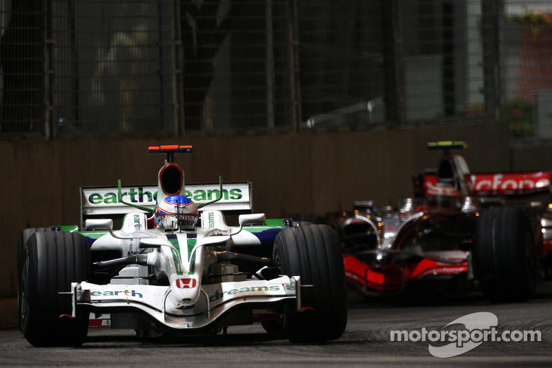 Jenson Button, Honda Racing F1 Team, RA108; Heikki Kovalainen, McLaren Mercedes, MP4-23