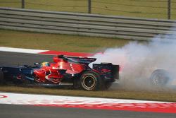 Sébastien Bourdais, Scuderia Toro Rosso and Jarno Trulli, Toyota Racing, TF108 crashes at te start off the race