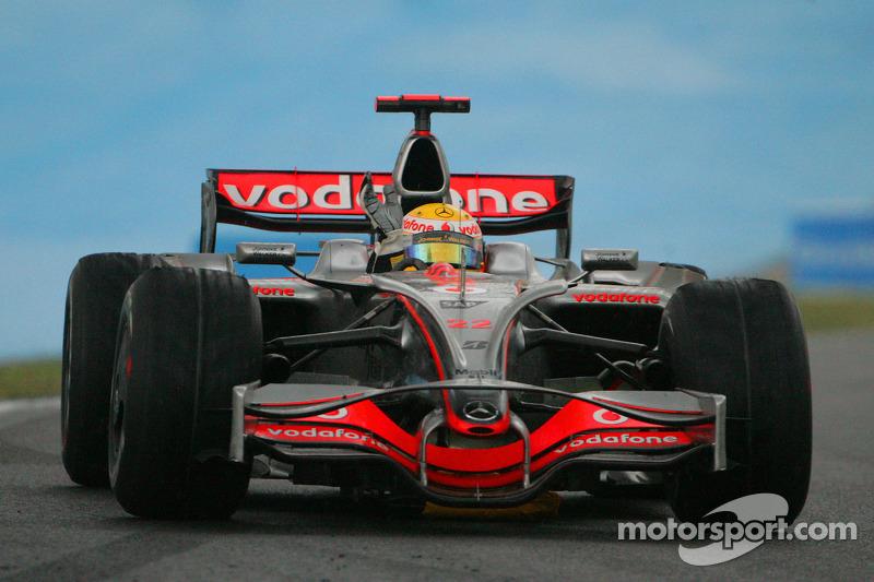 Campeón del Mundo F1 2008, Lewis Hamilton, celebrando