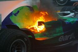 Honda Racing F1 Team RA108 de Jenson Button con fuego