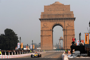 Indian terror no problem for F1 says Karun Chandhok