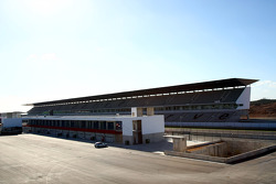 Pits and main grandstand